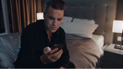 Robbie Williams Testi Robbie Williams Mixed Signals Testo Traduzione
