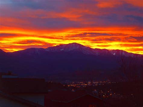 peak lighting colorado springs sunset pikes peak a photo on flickriver
