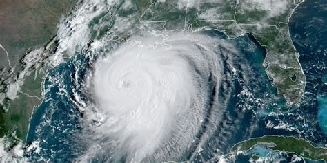 oil prices hover    gulf coast hurricane recovery