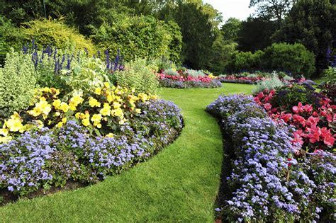 mendham garden center tips for transitioning nj gardens from summer to fall