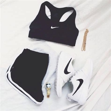 Black clothes goal goals nike - image #3517973 by helena888 on Favim.com
