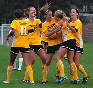 Women's Soccer Scores Honor | Bulletin