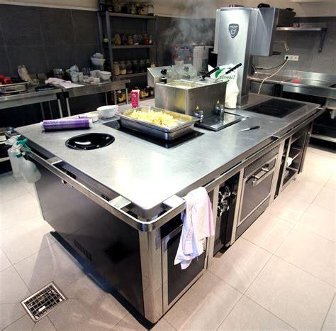 charvet cuisine piano de marque charvet avec wok 6 feux a induction une