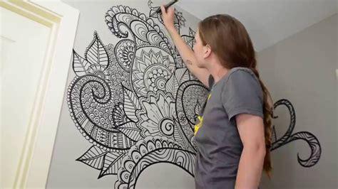 Grafiti Batik : Desenho De Parede Com Caneta Marca-texto