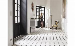 sol vinyle presto carrelage blanc avec cabochon noir With porte d entrée pvc avec moquette salle de bain en dalles