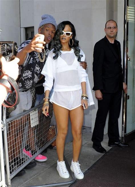 More Pics of Rihanna Sports Shorts (6 of 10) - Rihanna Lookbook - StyleBistro