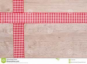 rubans de tissu rouges et a carreaux blanc images libres With tissu carreaux rouge et blanc