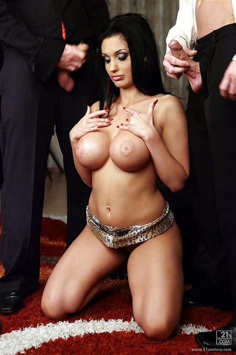 Milf Aletta Ocean Is Sucking And Fucking In A Hardcore