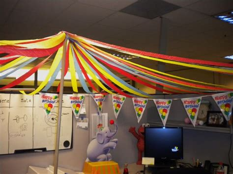 Scary Cubicle Halloween Decorating Ideas by Big Top Circus Theme Cubicle Decorating Cubicle