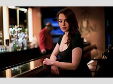 13 Awesome Pics of Game of Thrones Fame Emilia Clarke