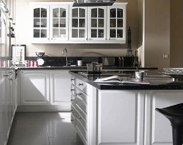 modele cuisine noir et blanc cuisine blanche 20 idées déco pour s 39 inspirer deco cool