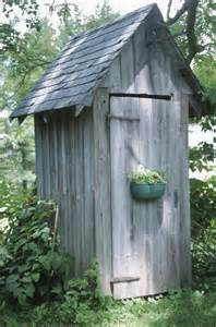 Outhouse Decorating Ideas