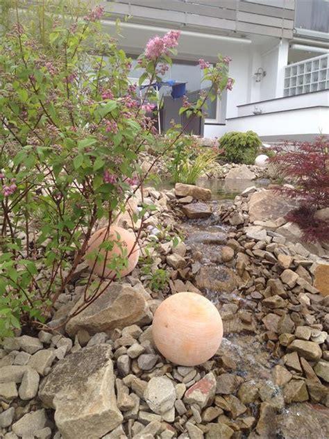 Garten Und Landschaftsbau Velbert by Gartenteich Mit Bachlauf In Velbert Klo 223 Garten Und