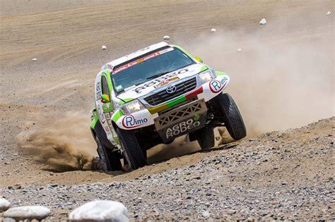 Sainss nosargā vadību Dakaras rallijā, devītais ātrumposms ...