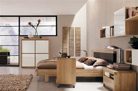Warm Bedroom Decorating Ideas By Huelsta