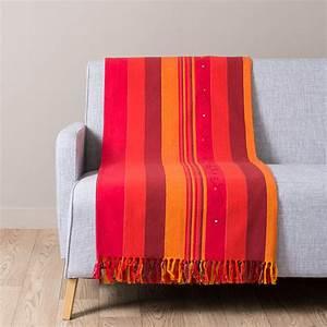 Plaid Maison Du Monde : plaid en coton rouge et orange 160 x 210 atlas safran maisons du monde ~ Teatrodelosmanantiales.com Idées de Décoration