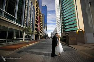 ross and melissa street style wedding session in downtown With best dallas wedding photographers