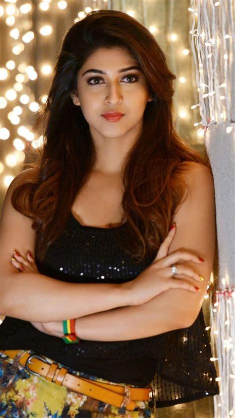Sonarika Bhadoria Hot Shorts Pictures New Hd Wallpapers