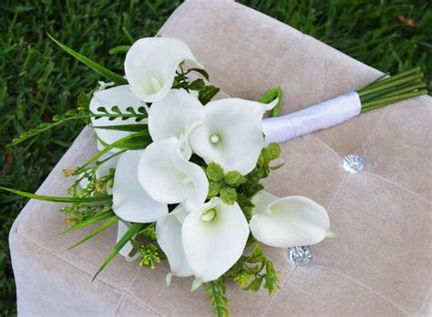 Natural Touch Calla Lilies Bouquet Silk Wedding Off White