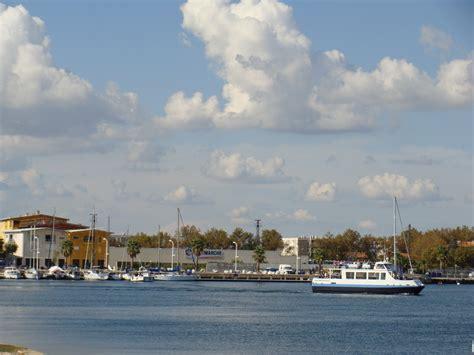 les photos de port louis du rh 244 ne 13230