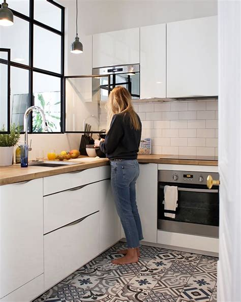 la cuisine 7 1000 idées à propos de fenêtre d 39 évier de cuisine sur herbes de bocaux rideaux de