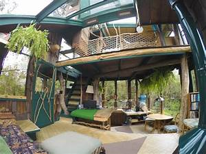Living in HAWAII VOLCANO TREEHOUSE [the coolest house on ...