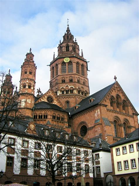 Ingolstadt seems to be the leader of the direct meetings against. Mainz - Travel guide at Wikivoyage