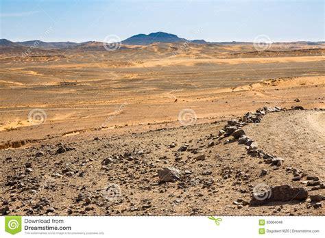 Deserti Pietrosi Di Hamada Di Riunione E Deserti Della Sabbia Del Sahara Fotografia Stock ...