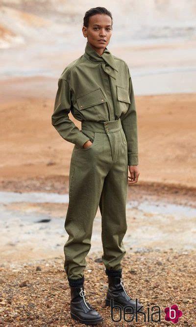 mono verde militar de mujer de la coleccion committed de