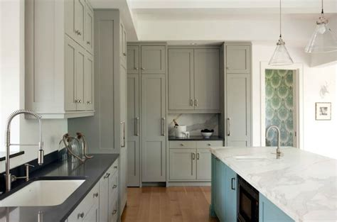 pictures of islands in kitchens 1000 ideas about turquoise kitchen cabinets on 7459