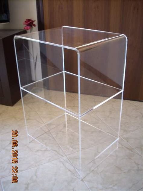 scaffali in plexiglass tavolino in plexiglas con ripiani a mira kijiji annunci