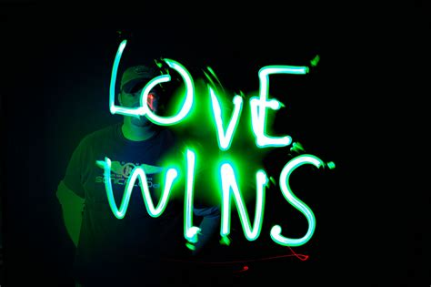 Rob Bell, Love Wins and why I hope he's right - Jonathan D. Blundell