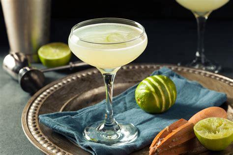 Dāmu dzērieni dāmu svētkiem: 8 receptes 8.marta kokteiļiem - Spirits&Wine