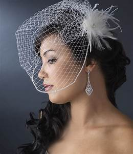 Light Ivory Bridal Feather Hair Fascinator Clip 440 Wit
