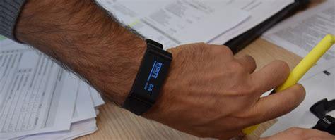 des salari 233 s 233 quip 233 s de montres connect 233 es pour surveiller leur sant 233 management sst