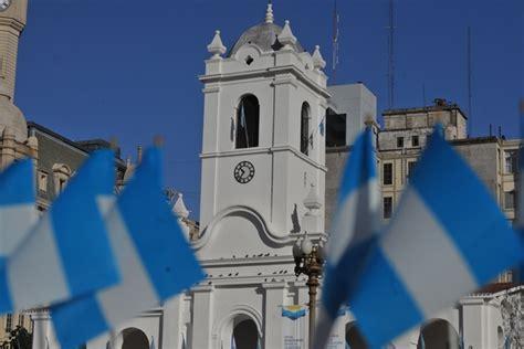imagen de cabildo patria politica antiguo emblema