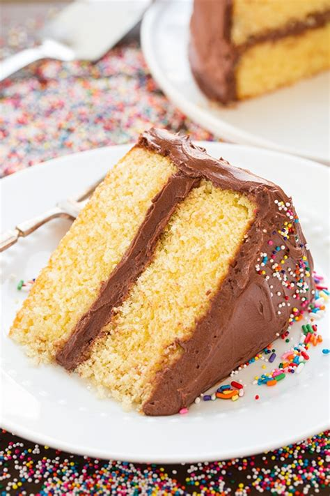yellow cake  chocolate buttercream frosting cooking