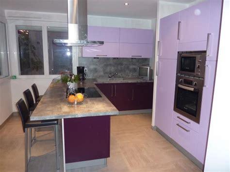 cuisine blanche et aubergine aménagement cuisine salle de bains lens pas de calais 62