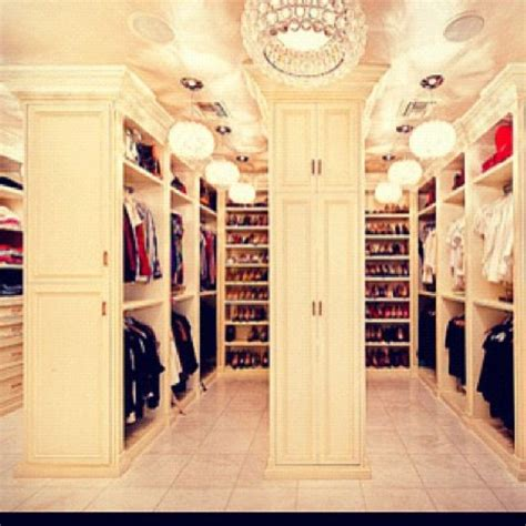 Big Wardrobe by Every Walk In Closet