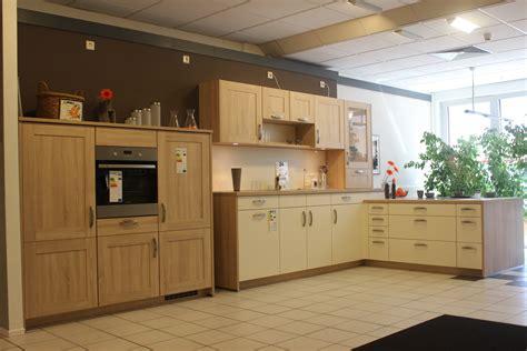 Viel Farbe Und Technik Sind Küchentrends  Märkischer Bote