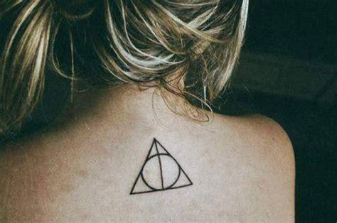 Tatouage Trois Triangle Signification Printablehd
