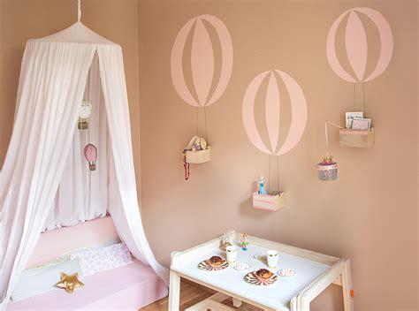 Wandgestaltung Kinderzimmer Mit Schräge by Diy Wand Mit Ballon Motiv Www Sammydemmy De