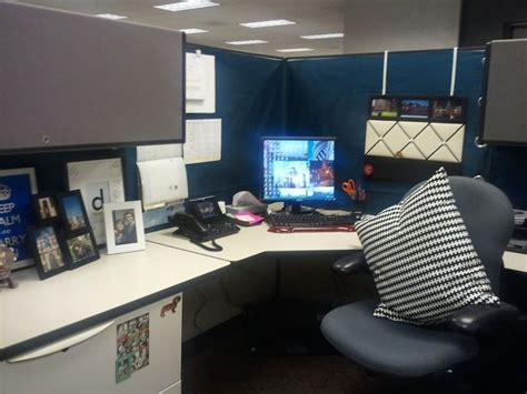 cardigan junkie diy cubicle makeover desk office