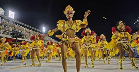 Rio De Janeiro Carnival Parade Dancers