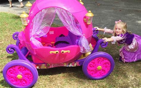 Unboxing the Disney Princess Carriage Ride On Toy Power
