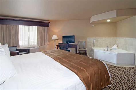 king bed whirlpool suite watford