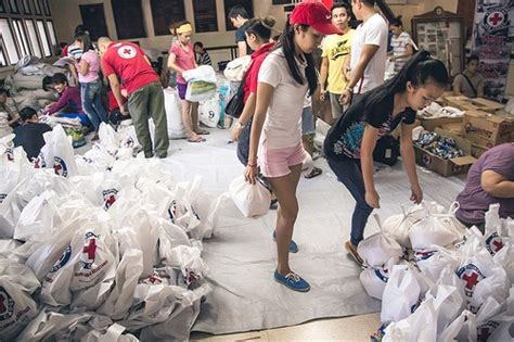 Photos: Red Cross provides relief in Philippines following ...