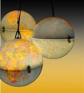 Mini Globe Terrestre : lustre globes terrestre instructions de bricolage zum bosch luminaires pinterest ~ Teatrodelosmanantiales.com Idées de Décoration