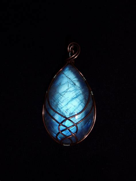 Moonstone Meaning, Properties and Symbolism