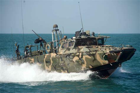 Us Navy Boats pentagon 2 u s navy boats with 10 american sailors held